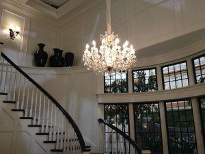 120726-img-otrc-chandelier