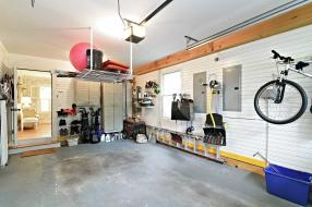 14_396oaklandbeachave_35_garage_hires
